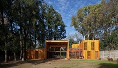 Green-roofed Argentinian home boasts a thermally efficient envelope