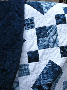 Sewing Block Quilts There is nothing I like more than a simple quilt pattern that looks complicated. the Jewel Box quilt. The fabric: Shib. Quilt Blocks Easy, Modern Quilt Blocks, Easy Quilts, Block Quilt, Modern Quilting, Patch Quilt, Wood Blocks, Star Quilt Patterns, Box Patterns