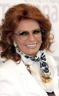 Sophia Loren at event of Between Strangers (2002)