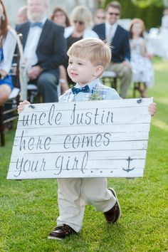 How cute! We love this nautical inspired sign!