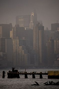 Chrysler building and Manhattan skyscrapers in fog, New York City Great Places, Places To Go, Beautiful Places, Photographie New York, Cities, Honeymoon Places, I Love Nyc, Concrete Jungle, Destinations