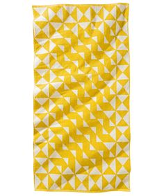 10 Graphic Beach Towels To Hit The Sand In Style #refinery29  http://www.refinery29.com/chic-beach-towels