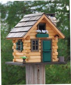 Creative Birdhouse Ideas. | http://handmadness.com/2018/03/15/creative-birdhouse-ideas/