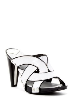 cheap for discount 343a2 42992 Black and white Heel Sandal Tacones Blanco Y Negro, Caja De Zapatos, Zapatos  Bonitos