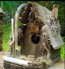 Soffia Wardy birdhouse