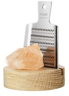 Pink Himalayan Rock Salt With Grater And Stand - Bestsellers - Foodmarket - Food & Wine