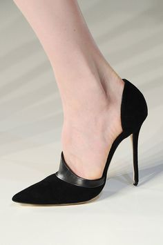 >> Victoria Beckham Fall 2014 Black suede d'Orsay pumps with leather trimming. >> More Victoria Beckham heels here. Hot Shoes, Crazy Shoes, Me Too Shoes, Shoes Heels, Victoria Beckham, Runway Shoes, Beautiful Shoes, Shoe Collection, Fashion Shoes