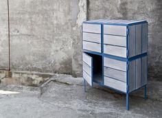 NewspaperWood è il nuovo materiale creato dall'olandese Mieke Meijer. L'idea di base è molto semplice e allo stesso tempo efficace dal punto di vista tecnico