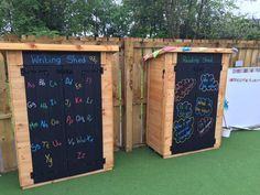 I think an outdoor writing area is great. I would use this during summer for sure. I think an outdoo Eyfs Outdoor Area, Outdoor Play Areas, Outdoor Classroom, Eyfs Classroom, Classroom Ideas, Preschool Garden, Sensory Garden, Reading Garden, Outdoor Learning Spaces