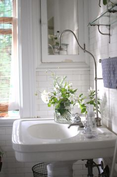 fresh ▇  #Vintage #Home #Decor  via - Christina Khandan  on IrvineHomeBlog - Irvine, California ༺ ℭƘ ༻