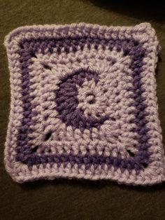 Made a prototype of this moon granny square I absolutely love it! : crochet