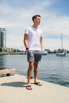 """Flojos literally means """"kick-back"""" in Spanish and I think that says it all. It's easy to slip into the laid-back California beach lifestyle. Mens Beach Shoes, Men Beach, Mode Masculine, Stylish Mens Fashion, Men's Fashion, Beach Fashion, Fashion Menswear, Summer Outfits Men, Men Summer"""