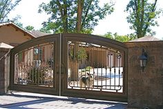 Love this driveway gate Would love to have