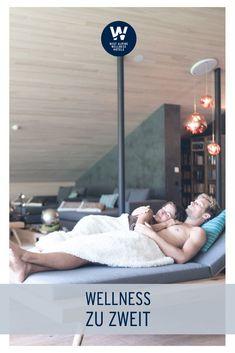 Sauna, Dampfbad, Massage und Erholung. Unvergessliche Stunden miteinander genießen, Spaß haben, sich entspannen und die wunderbare Bergwelt erleben, das tut einfach gut. Ein Romantikwochenende in den Best Alpine Wellness Hotels schafft unvergessliche Erinnerungen, die jede Beziehung stärken. Design Hotel, Hotel Wellness, Kind Und Kegel, Sauna, Salzburg, Bergen, Massage, Couples In Love, Cultural Diversity