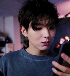 GIF descubierto por Wonho. Descubre (¡y guarda!) tus propias imágenes y videos en We Heart It