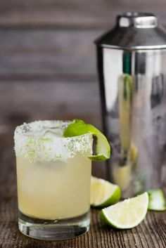 The most perfect classic Margarita recipe is quick and easy to make. This lip smacking tequila cocktail served over ice is the best drink! Classic Margarita Recipe, Margarita Recipes, Fun Drinks, Yummy Drinks, Beverages, Booze Drink, Alcoholic Drinks, Liquor Drinks, Fruity Drinks