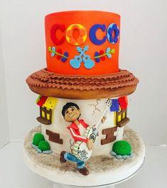 Cakes de la película coco hecho por Genny Hernandez en Panama Coco, Snow Globes, Birthday Cake, Instagram, Desserts, The Creation, Tailgate Desserts, Deserts, Birthday Cakes