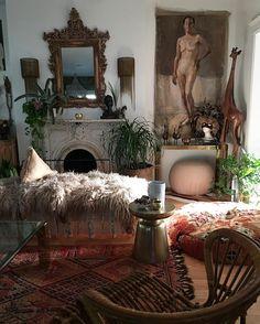 Interior Stylist // Creative Incorporating Flea Market Finds  holler@jenniferharrisonstyle.com Textile sales on Sunday's @shopfleamarketfab