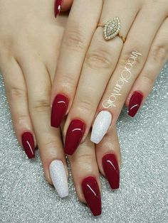 White nails with designs feet 11 ideas Chistmas Nails, Xmas Nails, Holiday Nails, Halloween Nails, Christmas Acrylic Nails, Halloween Eyes, Halloween Makeup, Red And White Nails, Red Acrylic Nails