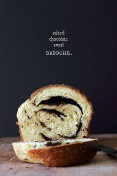 This salted chocolate swirl brioche bread is rich with sugar and eggs. With a chocolate swirl filling and a top sprinkled with sea salt, great for brunch. Chocolate Brioche, Chocolate Swirl, Salted Chocolate, No Bake Desserts, Just Desserts, Brioche Loaf, Brioche Recipe, Bread And Pastries, Sweet Bread