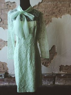 Minty Fresh Dress, vintage and in great condition www.therufflifelingerie.com