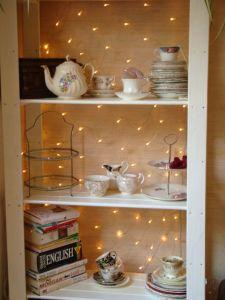 Net light as a bookcase backdrop - love it   Furniture Upcycling part 1 - Shoestring Splendour
