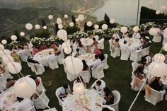 Decoration with white paper lanterns for outdoor wedding reception http://www.weddingsontheamalficoast.com/ravello-wedding-jackie-constantin-sinagra.html