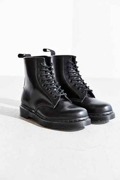 Dr. Martens 1460 Mono Boot - Urban Outfitters