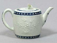 Worcester antique porcelain teapot c.1760