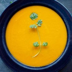 Zupa krem z pieczonej marchwi z imbirem i mlekiem kokosowym | Kwestia Smaku