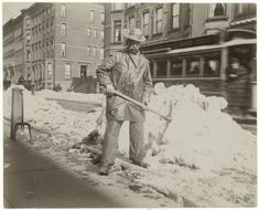 Snow removal.  33 Everyday Street Scenes From Late 1800s New York City