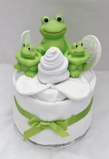 Cute mini nappy cake. Def have those frogs for Barrett