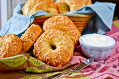 I've been wanting to make homemade bagels for some time now. But you need to let things rise, which can take a while. Then you fiddle with them and let them rise again or rest (hey, no fair t…