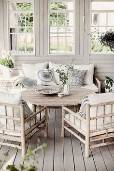 comfortable decorative ideas for the modern farmhouse veranda - Braun ideas for home decoration - with . Conservatory Furniture, Sunroom Furniture, Outdoor Furniture Sets, Small Conservatory, Coastal Furniture, Wooden Furniture, Furniture Ideas, Modern Farmhouse Living Room Decor, Farmhouse Decor