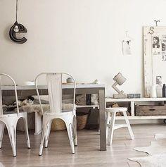 Inspirerande inredning hemma hos nederländska inredningsstylisten Marieke...