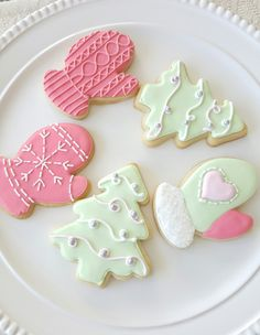 ajc patisserie: Mittens and Christmas Tree Cookies