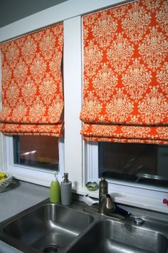 Sewing Curtains Homemade no sew Roman shades. (I'd change the colour scheme/pattern! Diy Roman Shades, Diy Curtains, Sewing Curtains, Kitchen Curtains, Window Coverings, Window Treatments, Room Colors, Home Projects, Diy Home Decor