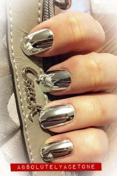 Mirror nail polish - different they are odd but at least we can make em p Get Nails, Fancy Nails, Love Nails, How To Do Nails, Pretty Nails, Hair And Nails, Mirror Nail Polish, Mirror Nails, Mirror Mirror