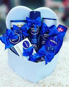 Diy Gifts For Boyfriend, Boyfriend Anniversary Gifts, Birthday Gifts For Boyfriend, Friend Birthday Gifts, Wedding Gift Baskets, Gift Baskets For Him, Gift Box For Men, Diy Gift Box, Fathers Day Gift Basket
