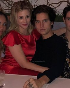 . . . . . . . . . . . . . . . . . . . . . . . . . #sprousehart #bughead #lilicole #lilireinhart #cole #colesprouse #dylansprouse…