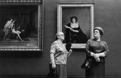 En mi burbuja: El Louvre y sus visitantes. Alécio de Andrade