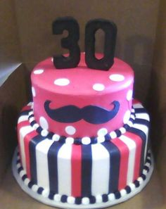 Cute moustache cake.. Want this.. But not gonna wait till I'm 30 for it xx