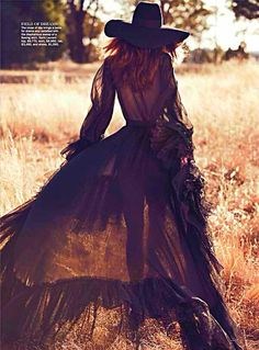 Witchy-cowgirl-ballgown look?  Why, of course! Love the way this look comes together  #fashion