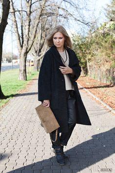 Płaszcz Vintage Spodnie Pull&Bear  Sweater Massimo Dutti (outlet) Buty New Look  Torba Zara  Naszyjnik-Topshop