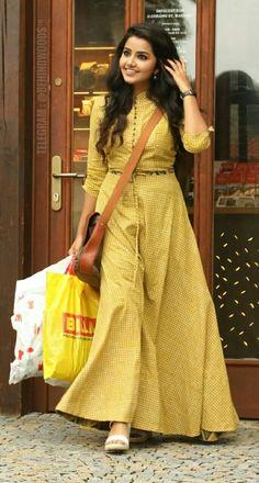 Anupama Parameshwaran is a malayalam film actress and model . Indian Gowns Dresses, Indian Fashion Dresses, Dress Indian Style, Indian Designer Outfits, Long Dress Design, Stylish Dress Designs, Designs For Dresses, Party Wear Dresses, Dress Outfits