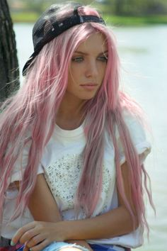 If I ever get a job that allows crazy colored hair, this is what I'm doin. Pastel pink. Oh how I've wanted you for years!!!