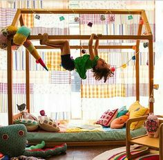 How to Design a Montessori Bedroom With Image - All Bedroom Design Montessori Bedroom, Montessori Baby, Baby Bedroom, Kids Bedroom, Room Kids, House Beds, Kid Spaces, Girl Room, Toddler Bed