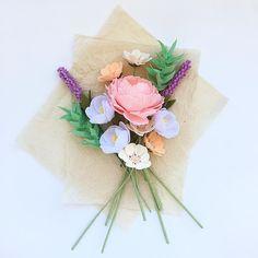 Felt bouquet by @_flowerlion_ в Instagram: «Фетровые цветы такие мягкие,хочется их бесконечно обнимать»