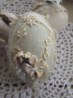 Cerri's gorgeous lace egg!