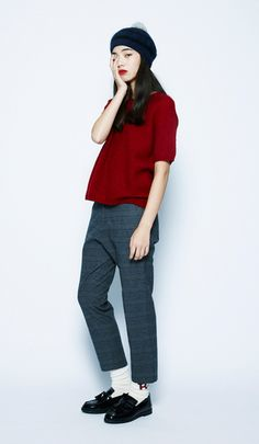 Everyday outfits recommended by stylists.A traditional, British-style look. The deep burgundy color creates a chic look. Asian Fashion, Girl Fashion, Fashion Outfits, Womens Fashion, Design Textile, Grace Kelly, Look Chic, Mode Inspiration, Fashion Inspiration